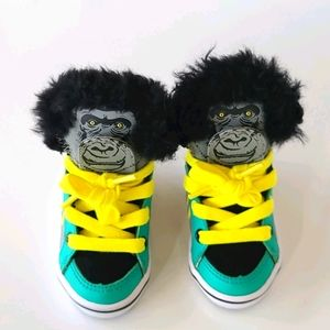 FEIYUE Gorilla Baby Shoes size 4